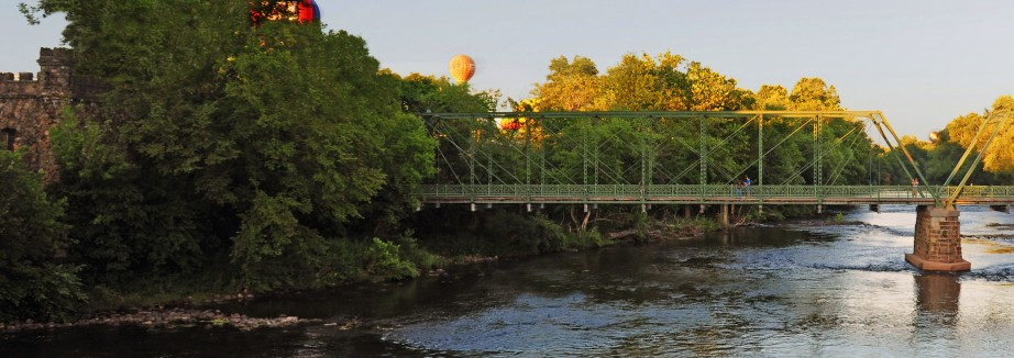 Frankfielder - Balloons at Raritan River - summer 2010